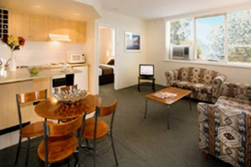 North Melbourne Serviced Apartment