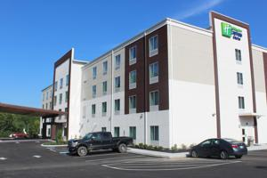 Holiday Inn Express & Suites New Cumberland Hotel  Hotels