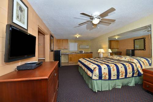 American Inn & Suites - Savannah / Garden City