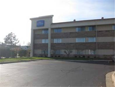 Baymont Inn and Suites Warren