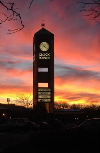 Clock Tower Resort and Conference Center - Rockford