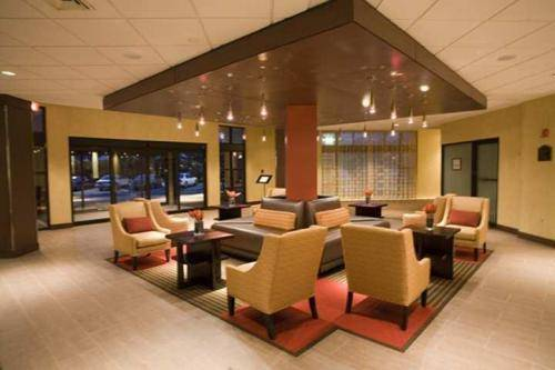 DoubleTree by Hilton Bradley International Airport