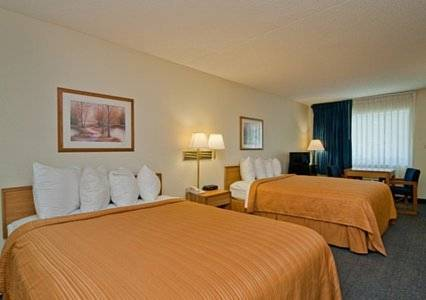 Econo Lodge Inn & Suites Bentonville