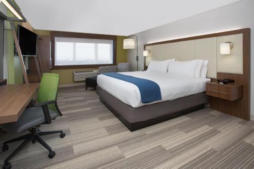 Holiday Inn Express & Suites - Southgate - Detroit Area