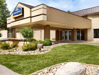 Howard Johnson Inn Fargo Downtown