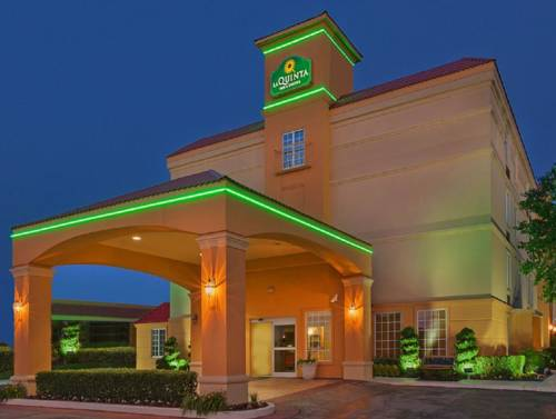 La Quinta Inn & Suites Tulsa Central